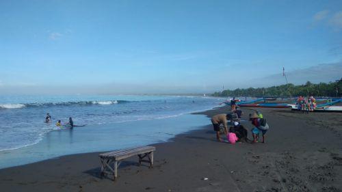 Suasana Pantai Pangandaran Pasca Gempa 4,7 SR