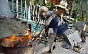 11 Pekerjaan Orang Pangandaran Yang Nyaris Sukar Ditemui