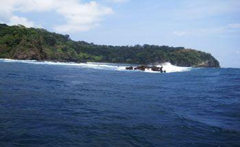 Jelajahi Pantai Pangandaran, Melihat Lebih Dekat Cagar Alam Dari Atas Perahu