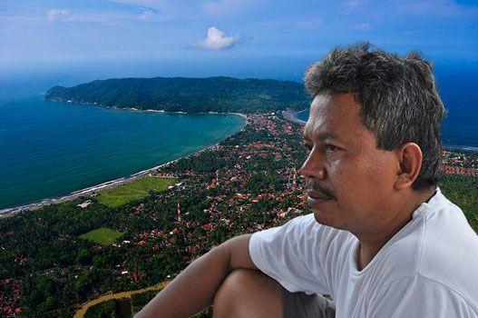 Jajang Nurjaman,Sang Motivator Gerakan Beach Clean Tanpa Pamrih
