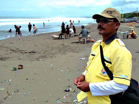 Mang Aso, Potret Pemotret Wisata Pantai Pangandaran