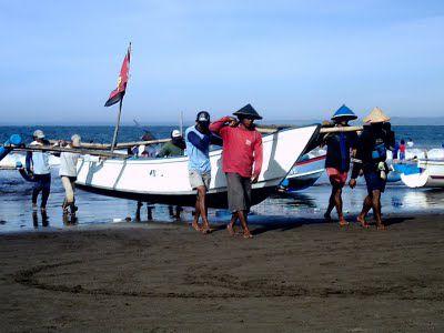 Kehidupan Seorang Nelayan Pantai Pangandaran