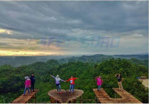 Pepedan Hills Bukit Selfie Pesona Baru di Utara Pangandaran