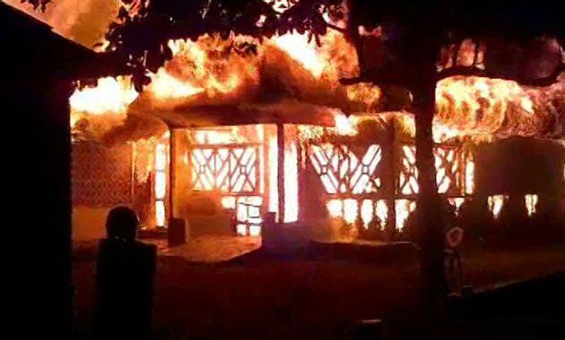 Cafe di Pantai Pangandaran Terbakar
