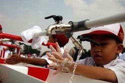 2000 Siswa Cuci Tangan Bareng