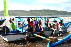 26 Wisatawan Terseret Ombak di Pangandaran