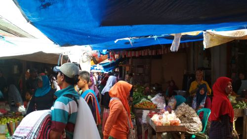 3 Hari Jelang Lebaran, Pasar Pananjung Pangandaran Ramai Pembeli