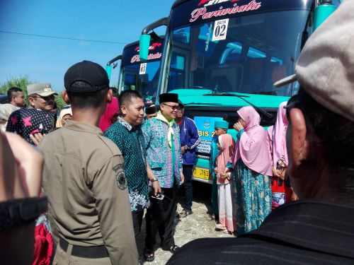 394 Calon Jamaah Haji Pangandaran di Lepas Bupati Jeje