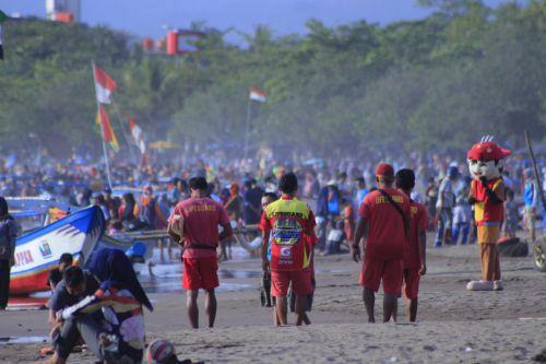 Balawista: Libur Natal Pantai Pangandaran Aman, Pengunjung Ramai