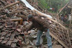 Bantuan Gempa Baru Dicairkan