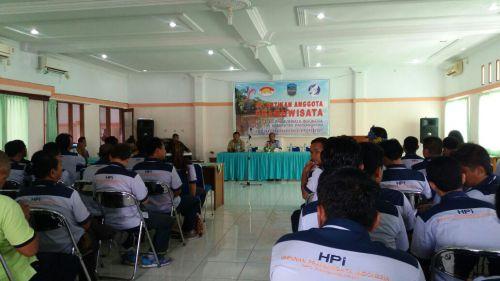Bupati Pangandaran Lantik 77 Anggota Himpunan Pramuwisata Pangandaran