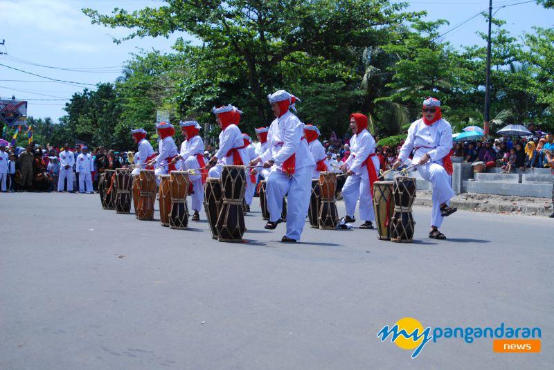 Meriahnya Carnaval Budaya Pangandaran 2017