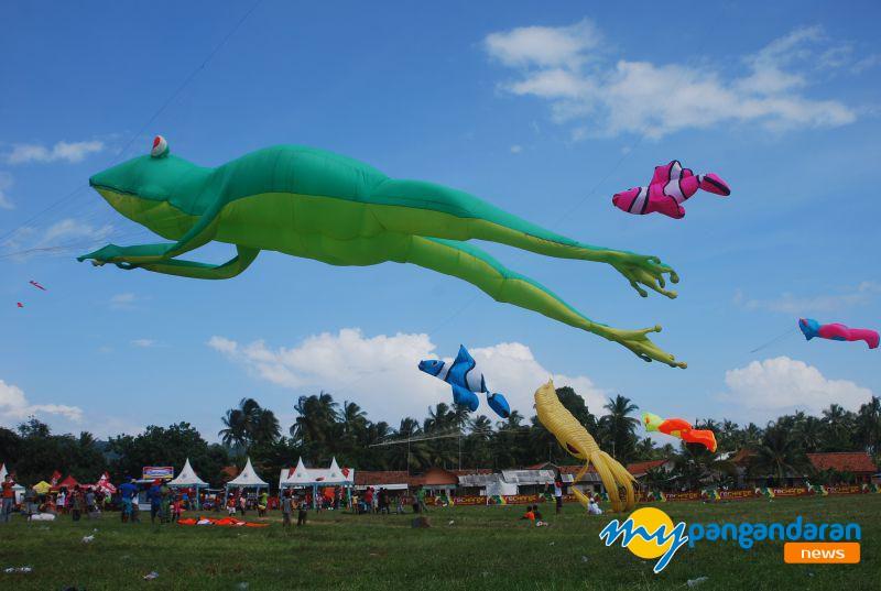 Catat! Ini Tanggal Event Tahunan Festival Layang-layang Pangandaran 2019