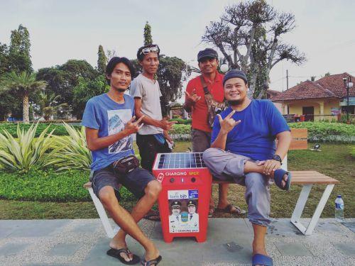 Charging Spot Hadir di Beberapa Titik di Pangandaran, Solusi Habis Baterei Saat Berwisata