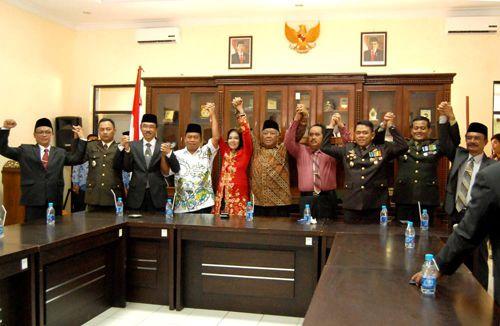 Debat Terbuka Paslon Bupati Kabupaten Pangandaran 2015