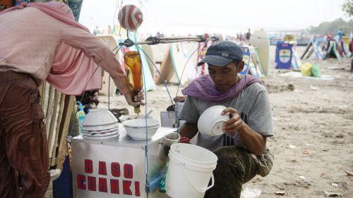 Endes Banget! Santap Cuanki Sambil Menikmati Pantai Pangandaran