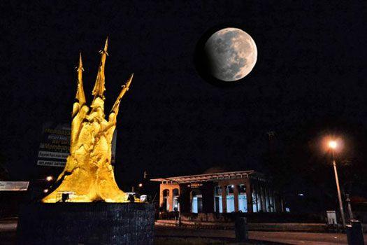 Malam Mingguan di Pangandaran Sambil Lihat Gerhana Bulan