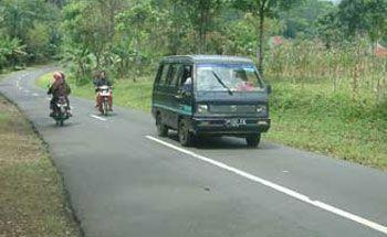 Gubernur Targetkan 92 Persen Jalan Jabar Mantap