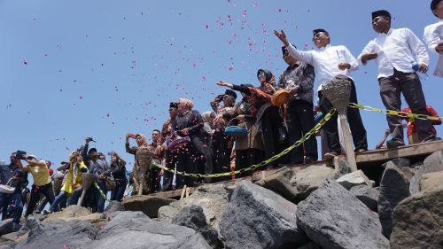 Hajat Laut 1 Muharram 1441 H, Refleksi Rasa Syukur Nelayan Pangandaran
