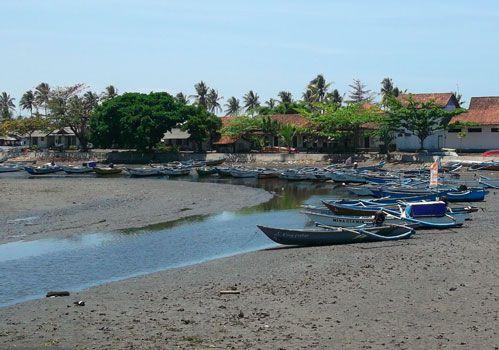Hari Jum`at Nelayan Libur Melaut