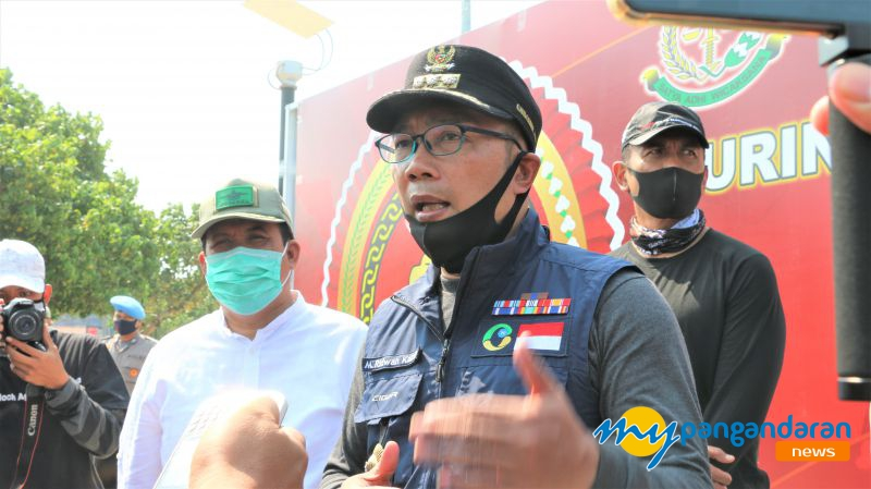 HUT Bhayangkara Ke 47, Gubernur Jabar Berikan Sembako Kepada Warga Pangandaran