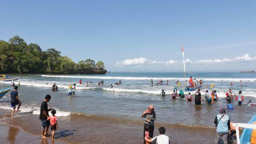 Ini Alasan Wisatawan Pilih Pantai Pangandaran Sebagai Destinasi Liburan