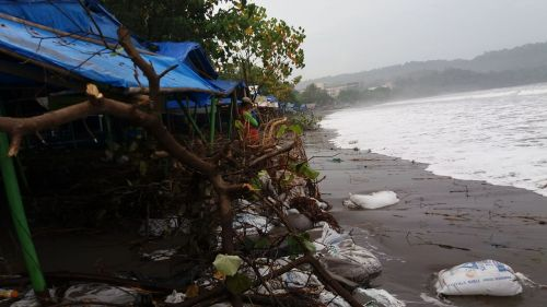 Ini Penampakan Air Pasang di Pantai Pangandaran Terkini