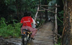 Jembatan Cimulih Memprihatinkan