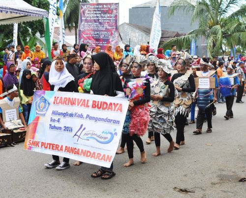 Karnaval Budaya Meriahkan Ulang Tahun Pangandaran yang Keempat