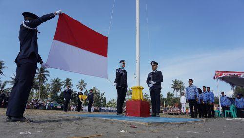 Kepala Desa Babakan Kec Pangandaran Pimpin Upacara Peringatan HUT RI Yang ke-74