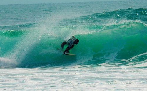 Komunitas Peselancar Sukses Gelar Kontes Surfing 2016