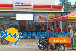 Launching Alfamart Diserbu Warga