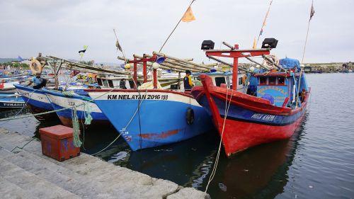 Libur Lebaran, Nelayan Pangandaran Tidak Melaut