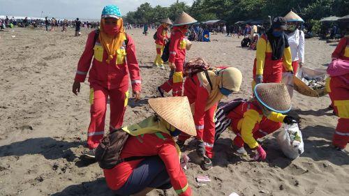 Libur Lebaran Volume Sampah Meningkat di Pangandaran, Pengunjung Diimbau Jaga Kebersihan