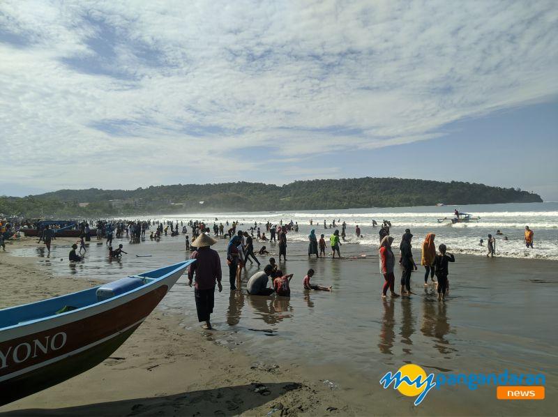 Libur Panjang, Kunjungan Wisatawan ke Pantai Pangandaran Meningkat