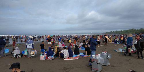Libur Tahun Baru 2021, Kunjungan Wisatawan ke Pantai Pangandaran Meningkat