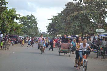Liburan Akhir Pekan Plus Libur Sekolah, Pantai Pangandaran Dipadati Pengunjung