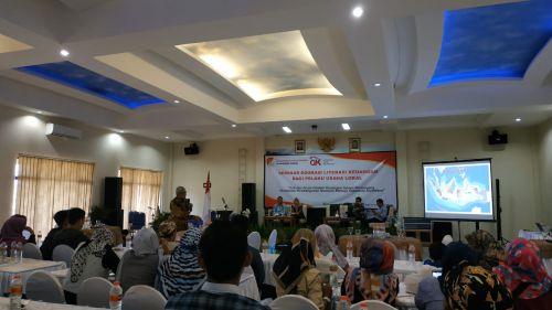 Lindungi Kepentingan Konsumen dan Masyarakat, OJK Gelar Seminar Edukasi