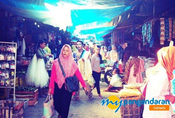 Menjelang Hari Raya Idul Fitri Pasar Pangandaran di Serbu Warga