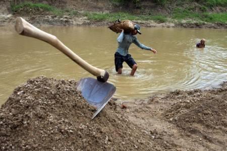 Musim Penghujan, Penambang Pasir Padaherang Tak Dapat Menambang Pasir