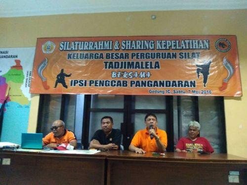 Paguron Tajimalela Gelar Coaching Clinic Guna Persiapan Pasanggiri Pencak Silat Kabupaten