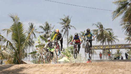 Cari Bibit Atlet, BMX Championship 2019 Latihan Bareng di Pangandaran