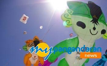 Pangandaran International Kite Festival 2011 Libatkan Juara Dunia