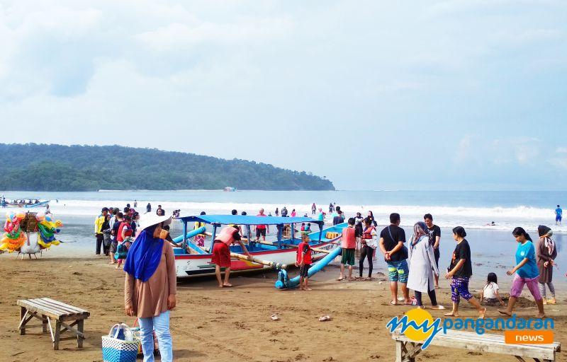 Cuaca Weekend Mendukung, Pantai Pangandaran Hangat dikunjungi Wisatawan