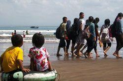 Pantai Pangandaran Ramai Pengunjung