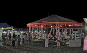 Pasar Malam Ramaikan Liburan Sekolah