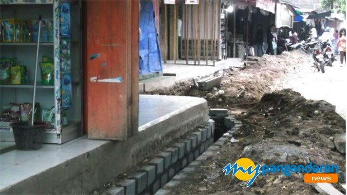 Pasar Pangandaran Berbenah Diri Menghadapi Musin Hujan