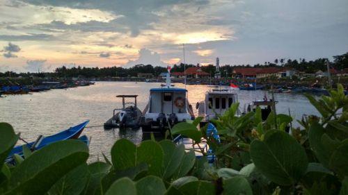 "Pelabuhan Cikidang Pangandaran ""Merah Putih"" Menyambut Jokowi"