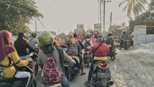 Pemasangan Jembatan Belly di Jembatan Cikidang Jadi Kontroversi Warga Pangandaran