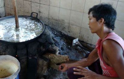 Pengembangan Usaha Gula Kelapa di Pangandaran Masih Terbuka Luas